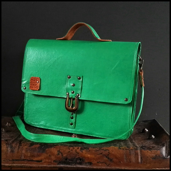 Friendly Laptop Bag Felgroen prijsvoorbeeld €120,00